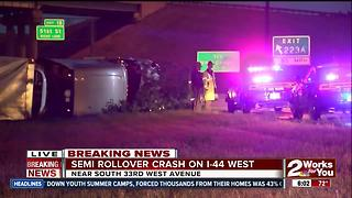 Semi truck rollover crashed on I-44 West - Video