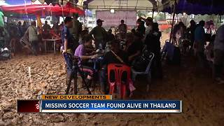 Soccer team found alive after 9 days trapped in cave in Thailand - Video