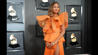 Chrissy Teigen 'downsizes' Thanksgiving