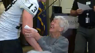 Idaho Vandal surprises grandmother before Famous Potato Bowl - Video