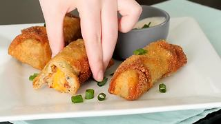 Cheesy mashed potato egg rolls - Video