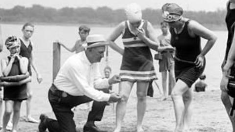 10 Crazy Bathing Suit Rules and Trends Women Have Had to Put Up With