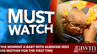 baby puts glasses on and sees mom for the first time - Video