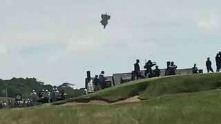 Blimp Crashes at US Open in Wisconsin - Video