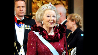 Top 10 Longest-Reigning Monarchs - Video