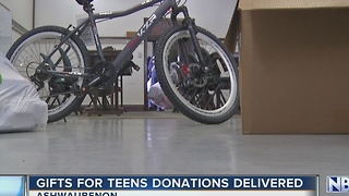 Gifts for teens delivered - Video