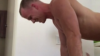 Dad Does Push-Ups With His Baby Girl - Video