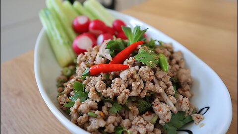 Thai recipes: How to make minced pork salad