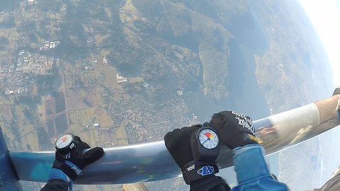 Amazing Skydivers View During 125 mph Free Fall From 10,000 feet
