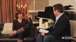 Reba McEntire on the power of prayer | Rare Country - Video