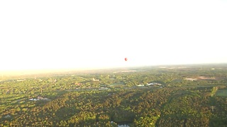 Daredevil grandmas experience first hot air balloon ride - Video