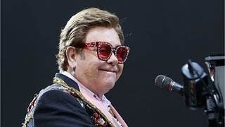 Elton John Performs With Pneumonia On Tour