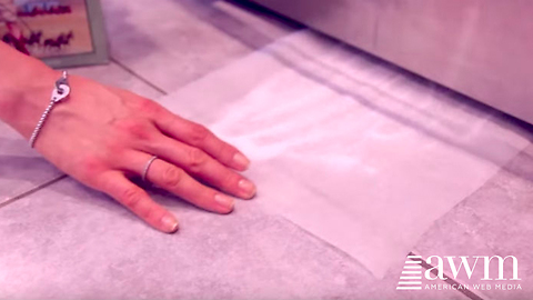 She Shows Results From Placing Wax Paper Under Her Fridge, Now I Do It Too