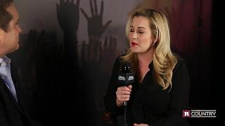 Kellie Pickler on where she keeps her DWTS trophy | Rare Country - Video