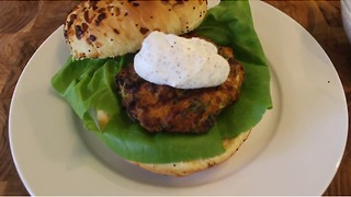 Mouthwatering turkey burger recipe - Video