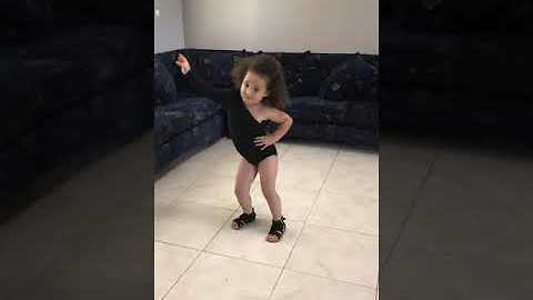 Little girl dresses like Beyonce for 'Single Ladies' dance routine