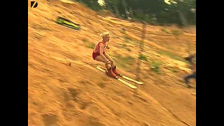 Sand Skiing - Video
