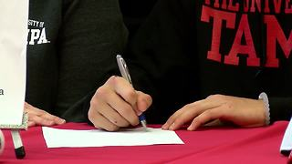 Brett Beetow signs scholarship - Video