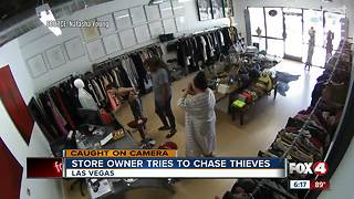 Store owner chases thieves - Video