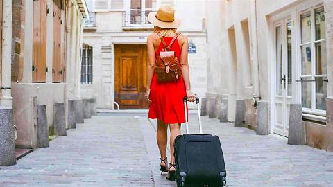 Save on Vacation with 3 Essential Traveling Hacks