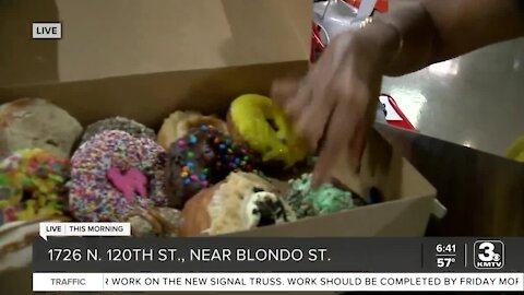 Hurts Donut holds grand opening in Omaha