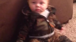 Baby can't decide between sleep or playtime  - Video