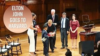Elton John receives Harvard award - Video