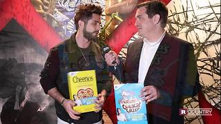 Thomas Rhett fights hunger | Rare Country - Video
