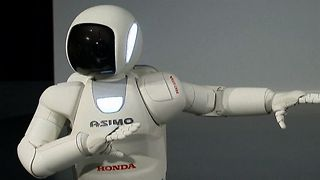 Humanoid Robot's Dancing Debut - Video