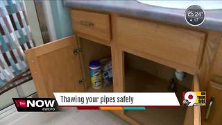 How you can safely thaw your frozen pipes - Video