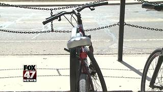 Bill requires 3 feet when passing bikes - Video