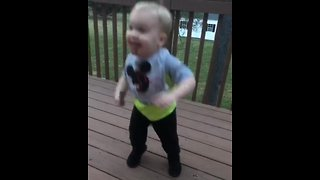 Kid busts out epic dance moves to classic tune