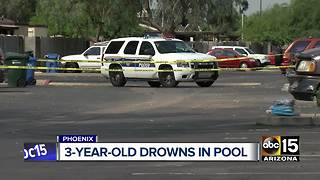 3-year-old boy pulled from north Phoenix pool dies - Video