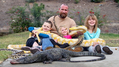 Reptile-loving Dad Lets His Children Play with a 19-foot Python