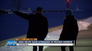 Passerby saves stranger struggling in Kenosha harbor - Video