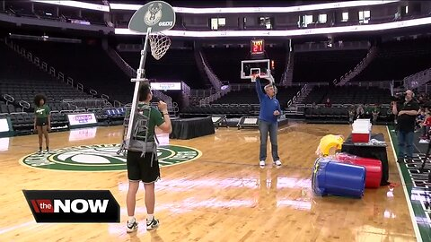 Storm Team 4 meteorologists take on Science Day at Fiserv Forum