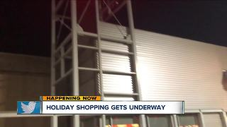 Holiday shopping officially begins! - Video