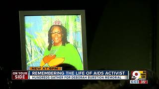 Hundreds pay respects to late AIDS activist - Video