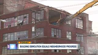 Neighborhood celebrates as former meat packing plant on Cleveland's west side meets its end - Video