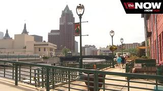 Milwaukee's Riverwalk wins international award - Video