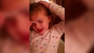 Little Girl Taped Her Eyebrows - Video