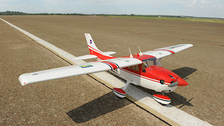 Cessna Skylane 182 Model Airplane  - Video