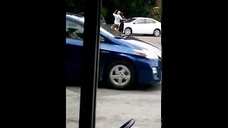 Bystander Captures Video of 2 Men Dancing on the Streets of Minneapolis - Video