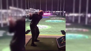 Blind USC Long Snapper Crushes A Ball At Top Golf - Video