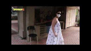 Kareena Kapoor Khan SPOTTED Outside Her Residence
