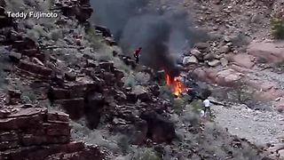 Fifth person dies after Grand Canyon helicopter crash - Video