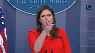 Sarah Huckabee Sanders Unduly Amused By Her Own Joke About Trump's Flaws - Video