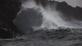 Storm Brian waves smash into Cornish coast - Video