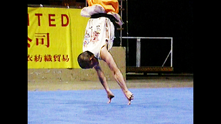 Shaolin Monk Balances On 2 Fingers - Video