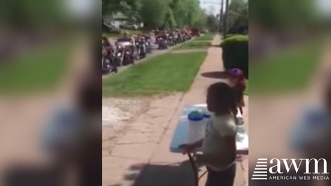 "Group Of ""Tough"" Bikers Overrun Little Girl's Lemonade Stand, Helps Her Sell Out In Minutes"